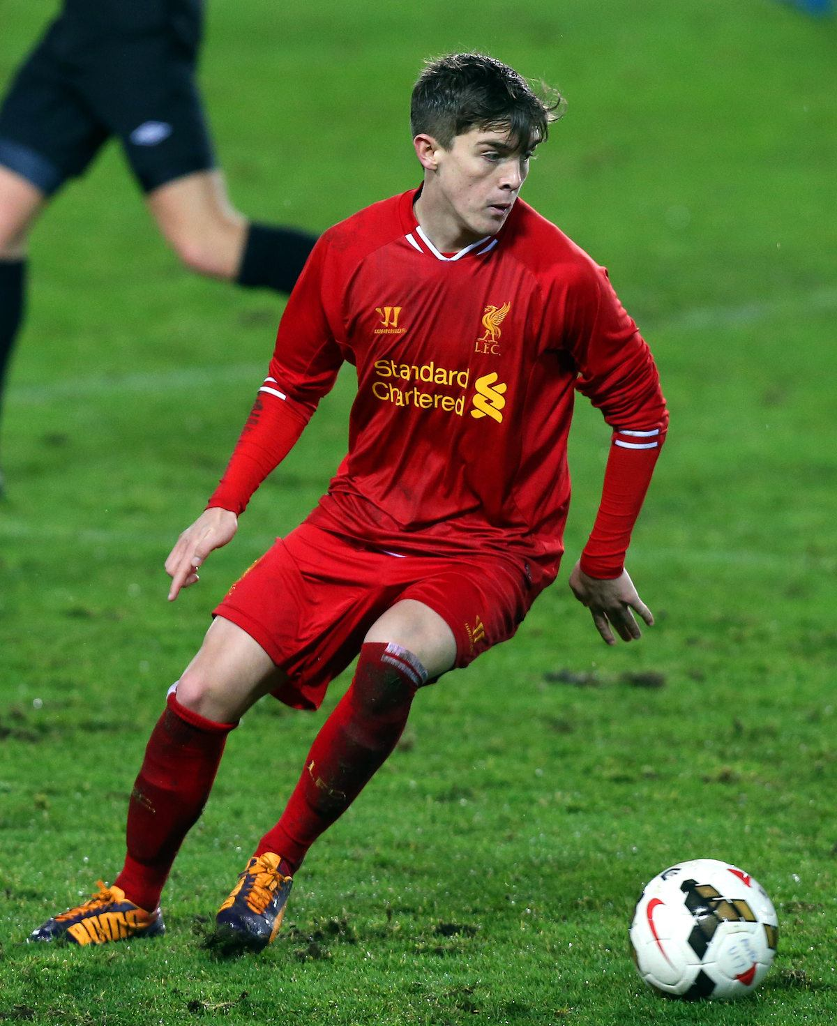 Trickett-Smith_turns_on_the_ball_during_a_Liverpool_academy_game