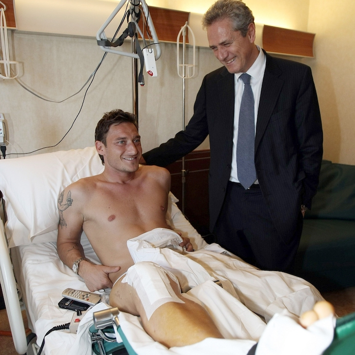 Francesco Totti of Roma recovers from surgery to his anterior cruciate ligament - football4football injury advice