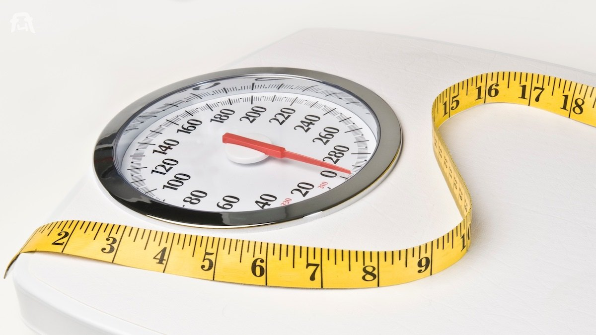 Bathroom_Scales_and_Tape_for_weight_loss