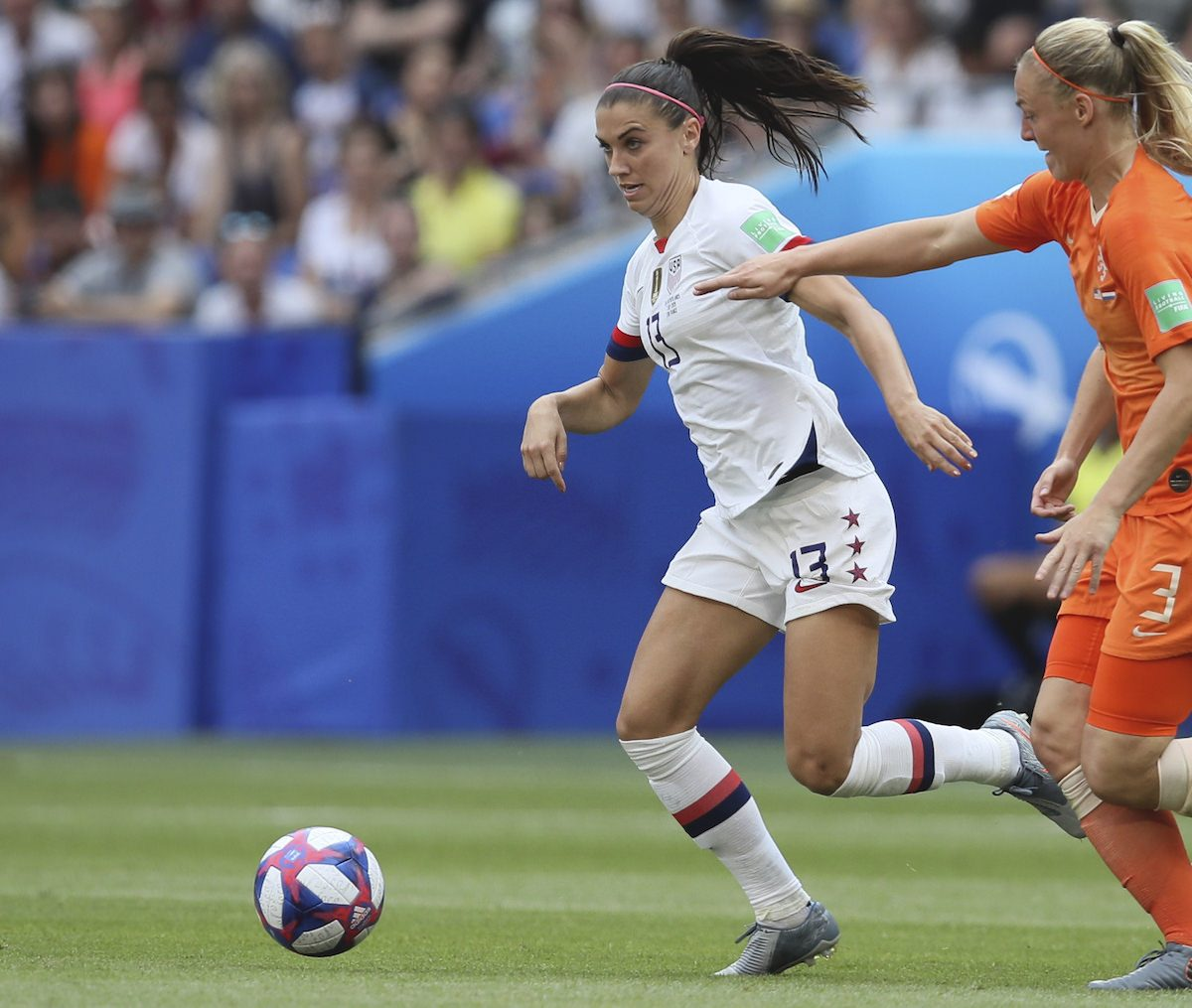 Alex_Morgan_wears_the_nike_phantom_venom_boots_during_the_world_cup_football4football