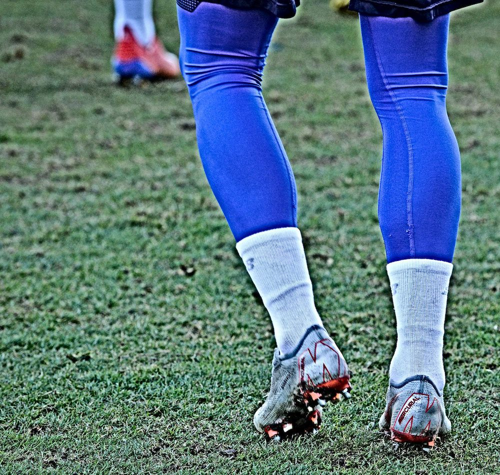 Base_layers_used_in_football_training_session_football4football